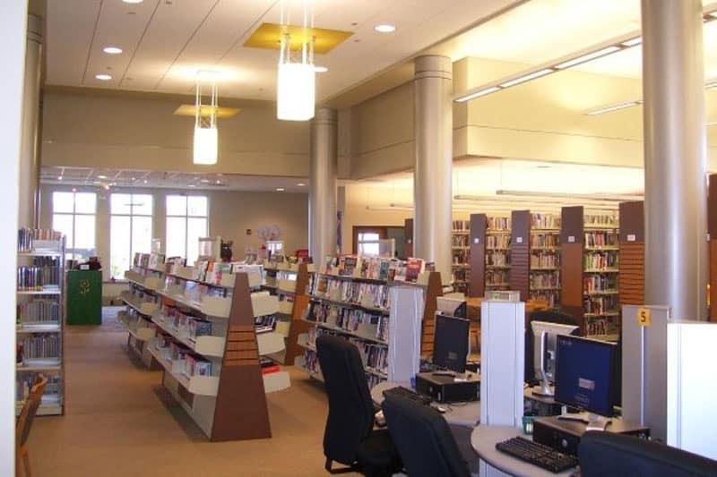 Mezitta-Computer-Stations-at-Central-Little-Rock-Arkansas-Library.jpg