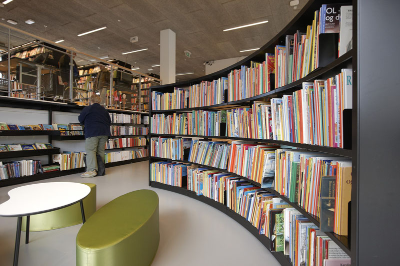 Modern-Library-Shelving-with-London-End-Panels.jpg
