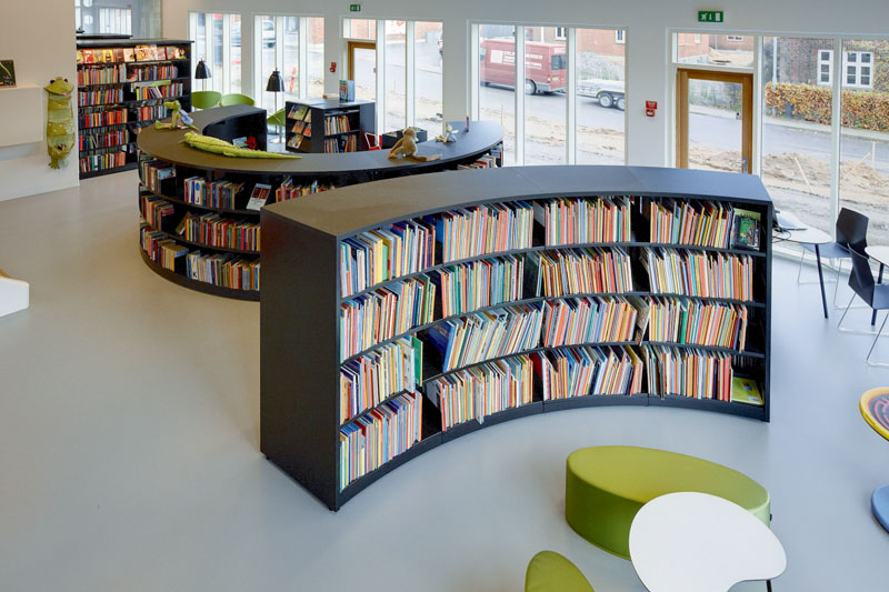 BCI-Radius-Shelving-with-London-End-Panels.jpg