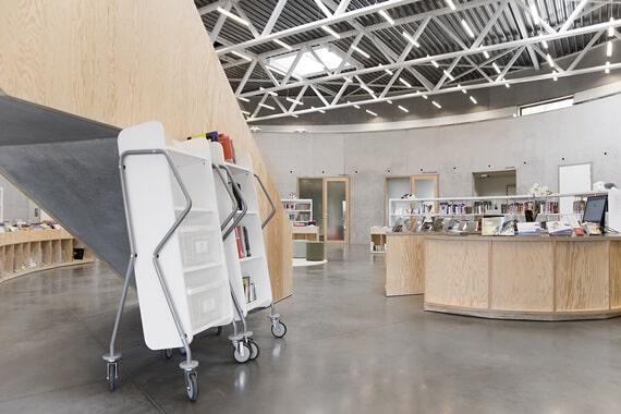 Lubbeek Public Library interior